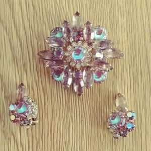 Stunning Vintage Brooch Pin & Earrings Set